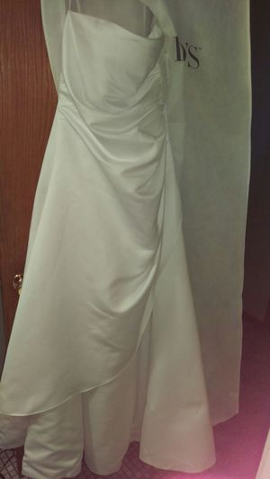 Wedding dress and belt for Sale in Andover, MN