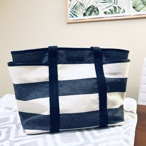 Tommy hilfiger tote bag for Sale in Kansas City, MO