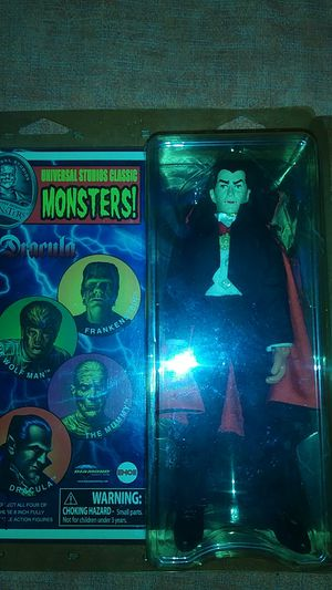 Universal studios monsters very rare collecters item. Fully posable action figures. for Sale in San Antonio, TX