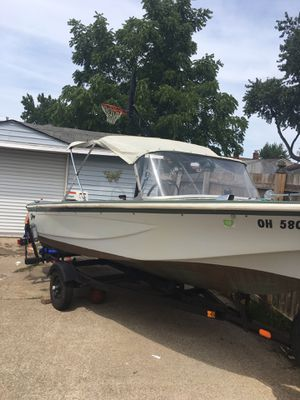 1968 boat with 1979 Johnson motor with trailer for Sale in Brook Park, OH