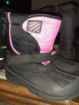 Pink and Black kids snow boots for Sale in Columbus, OH