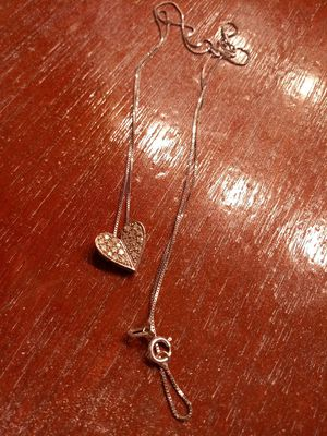 Beautiful diamond necklace.. for Sale in Vinton, VA