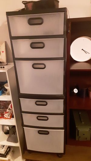 Plastic storage drawers with wheels for Sale in Austin, TX