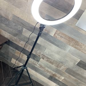 Ring Light LED 18 inch for Sale in Colton, CA