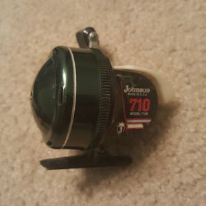 Johnson 710B Fishing Reel. for Sale in Raleigh, NC