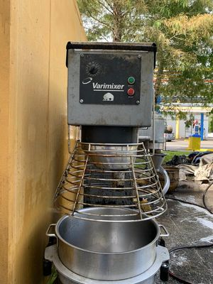 Varimixer & Hobart Dough mixer,80 QT, in very god condition:2000 $ for the Varimixer and 1500 $ for the Hobart.We are located in westchase. for Sale in Tampa, FL