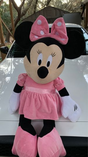3 foot tall stuffed Minnie Mouse doll almost New for Sale in Palm Harbor, FL