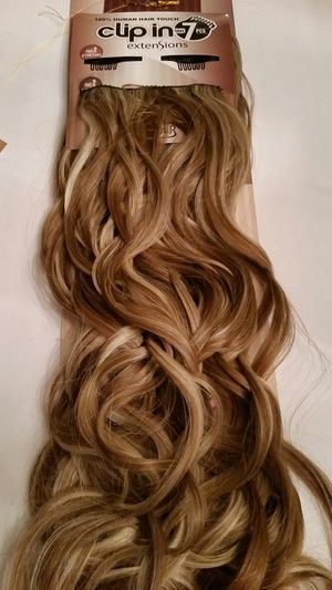 """20 """" Wavy hair extensions for Sale in Pico Rivera, CA"""