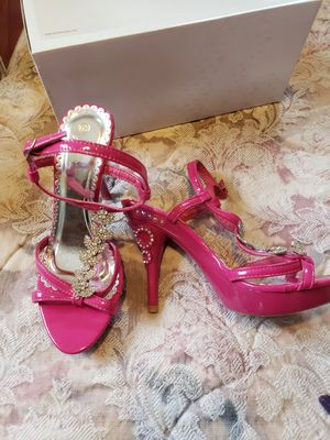 Heels Glamorous brand new size 6.5 for Sale in Loveland, OH
