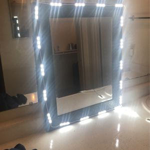 Vanity Makeup Mirror With Lights for Sale in Gilbert, AZ