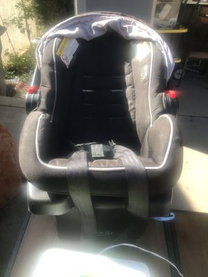 Graco car seat with base for Sale in Escondido, CA