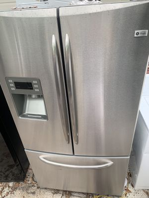 Ge profile stainless steel refrigerator / delivery available for Sale in Tampa, FL