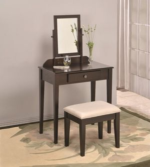 NEW IN THE BOX. IRIS ESPRESSO VANITY SET, SKU# TC2208SET-ESP for Sale in Santa Ana, CA