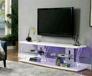 Contemporary Wood 60-inch TV Stand in High Gloss White Finish for Sale in Ontario, CA