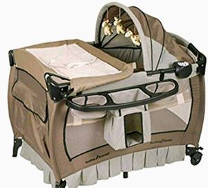 New Baby Trend Deluxe Nursery Center, Haven Wood for Sale in Hesperia, CA