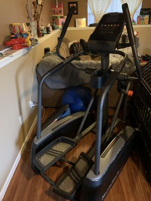 NordicTrack Elliptical for Sale in Raymore, MO