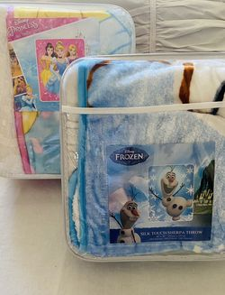 BUY(2) Disney Sherpa/Borrego Blankets for Sale in Los Angeles,  CA
