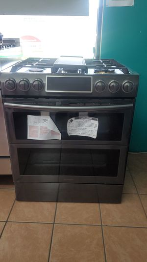 Samsung stove darkstainless for Sale in Hawthorne, CA