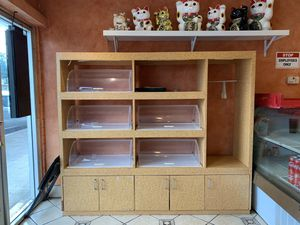 Display shelf / cabinet with clear display cases of 8 for Sale in Honolulu, HI