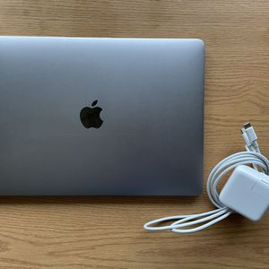 Mid 2019 MacBook Pro 13in 8GB i5 Touch Bar for Sale in Peoria, IL