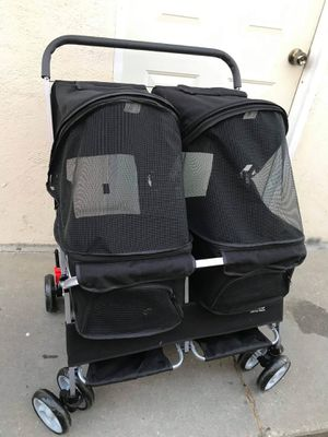 Double dog stroller for Sale in Los Angeles, CA