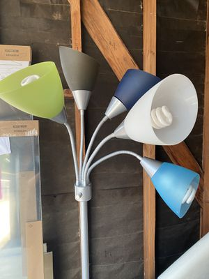 Like New Multi Head Floor Lamp for Sale in San Diego, CA