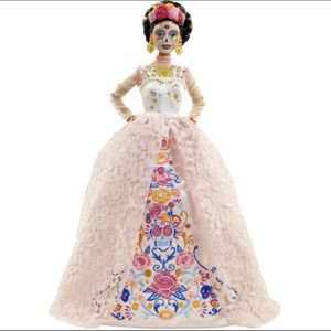 Barbie Dia De Muertos 2020 Doll (NEW, rare!) for Sale in West Hollywood, CA