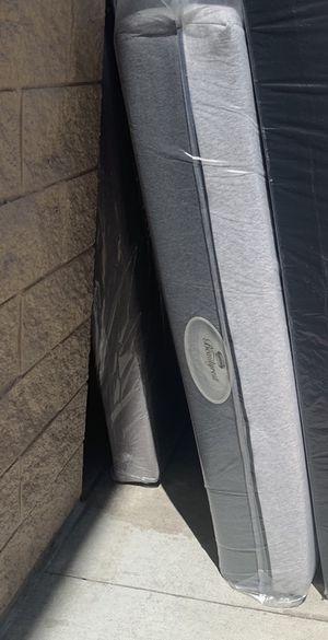 Queen memory foam mattress for Sale in Chula Vista, CA