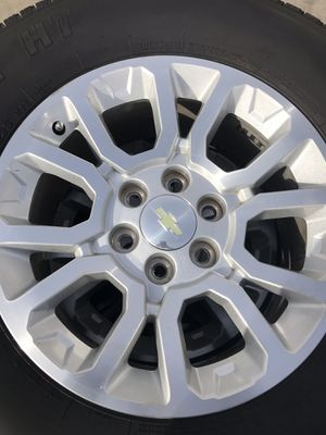 """GMC stock 18"""" with tires for Sale in Dinuba, CA"""