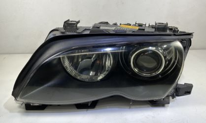 Driver Xenon Headlight BMW 330i 325i Sedan for Sale in Fullerton,  CA
