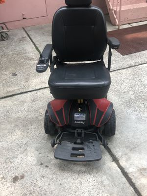 Jazzy elite electric wheelchair. All it needs is charging if u have one u can bring it. for Sale for sale  New York, NY