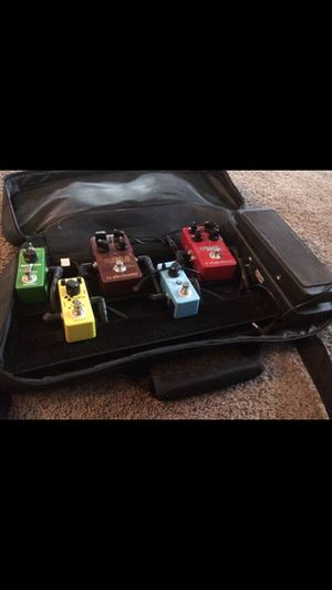 Pedal Board of 6 pedals (TC Electronics, Wah-pedal and donner) for Sale in Gladstone, OR
