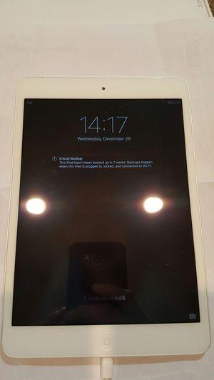 iPad Mini silver for Sale in Tolleson, AZ