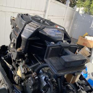 9.9 Mariner 2 Stroke Outboard. for Sale in Los Angeles, CA