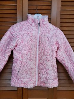 Girl's North Face Jacket for Sale in Mountainside,  NJ