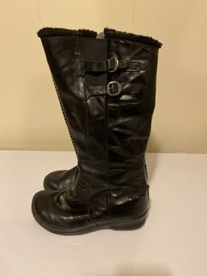 Ladies Keens size 8 Black Boots for Sale in Millersville, MD