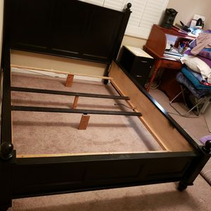 Black Queen Size Bed Frame for Sale in Santa Ana, CA