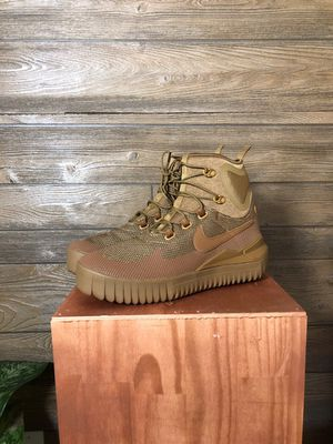 Air Wild Mid size 10 for Sale in Rockville, MD