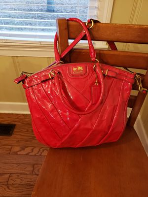 Red Coach Patient Leather Large Crossover for Sale in Lebanon, TN