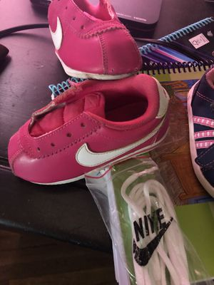 Nike size 7c has shoes lasses blue shoes size 5 great conditions for Sale in Reedley, CA