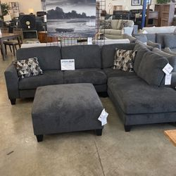 Sectional for Sale in Damascus,  OR