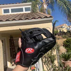 Rawlings Heart Of The Hide Baseball Glove for Sale in Moreno Valley, CA