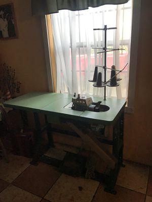 JUKI INDUSTRIAL SEWING MACHINE for Sale in Miami, FL