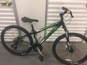 """Trek mountain 26"""" wheels 13"""" frame new tires I pay 80$ have 2 race tire I can give to you! Tuneup done 2 weeks ago Great Bike! for Sale in Pompano Beach, FL"""