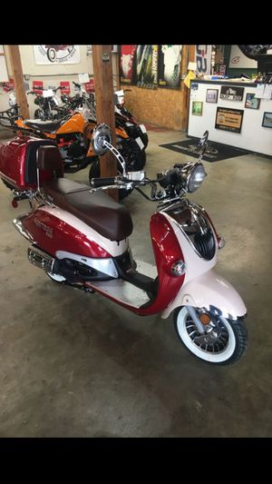 Brand new Znen Heritage 150 CC scooter retro cool for Sale in University Place, WA