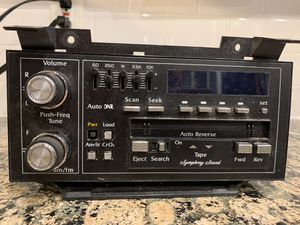 89-93 Cadillac Radio 16127076 for Sale in Cleveland, OH
