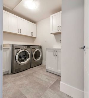 2018 LG steam washer and gas dryer set for Sale in Corona, CA