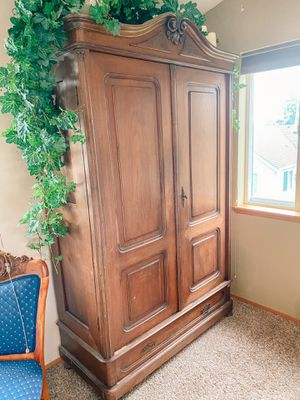 Gorgeous s Armoire for Sale in Issaquah, WA