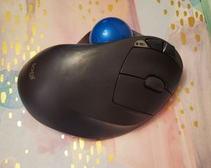 Logitech Logitech - M570 Wireless Trackball Mouse - Gray/Blue for Sale in Chicago, IL
