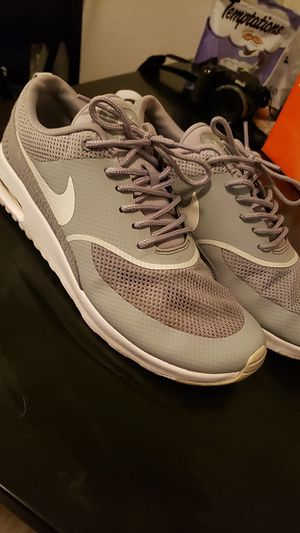 Womans Nike air max thea size 9.5 for Sale in Redlands, CA
